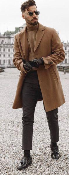 Men Fashion Show, Mens Fashion Blog, Daily Fashion, Men's Fashion, Fashion Tips, Winter Coat Outfits, Dapper Men, Well Dressed Men, Winter Wear