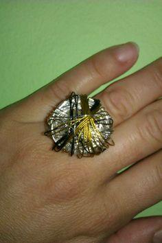 Δαχτυλίδι από σύρμα και συρματοπετονιά..