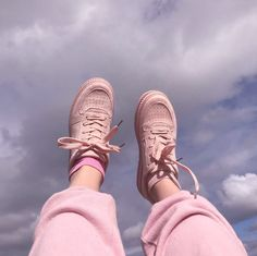 ~s h o e z~ Dogs poodle Peach Aesthetic, Aesthetic Photo, Aesthetic Pictures, Aesthetic Style, Pink Love, Pretty In Pink, Roses Tumblr, Doja Cat, Sock Shoes