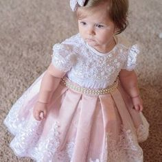 Para o dia ficar mais cheio de amor ! Princesinha Linda linda no seu primeiro an Baby Girl Dress Patterns, Girls Party Dress, Little Girl Dresses, Flower Girls, Flower Girl Dresses, Fashion Kids, Toddler Dress, Toddler Girl, Camo Baby Clothes