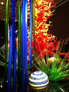chihuly Glass Structure, Picture Places, Blown Glass Art, Dale Chihuly, Glass Artwork, Stained Glass Windows, Glass Design, Amazing Art, Glass Beads