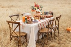 Trade in that girls shopping trip for a little autumn face time like this shindig from Chrissy McDonald and Torrey Fox. Thanksgiving Decorations Outdoor, Thanksgiving Table, Thanksgiving Activities, Thanksgiving Crafts, Velvet Pumpkins, Autumn Theme, Tablescapes, Fall Decor, Table Decorations