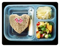 """Real food"" non processed lunches. I may not have a kid in school yet, but I'll be sure to make these for myself! (and yes, I will be including a love note to myself too. 'Cause I heart myself, lol)."