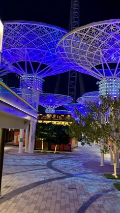 Dubai Vacation, Dubai Travel, City Aesthetic, Travel Aesthetic, Beautiful Places To Travel, Cool Places To Visit, Places Around The World, Around The Worlds, Dubai Video