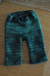 Ravelry: Bulky Weight Longies pattern by Janelle Wood. I've used this pattern (and variations on it) to make three pairs of Longies and I love it. Best pants/diaper covers ever! Knit Baby Pants, Baby Pants Pattern, Baby Knits, Knitted Baby, Ravelry Free Patterns, How To Purl Knit, Other Outfits, Baby Knitting Patterns, Cloth Diapers