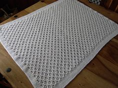 lacy honeycomb knit blanket (free pattern)