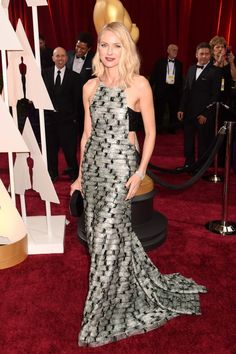 Naomi Watts In Armani #Oscars Looks You'll Be Talking About Tomorrow | The Zoe Report