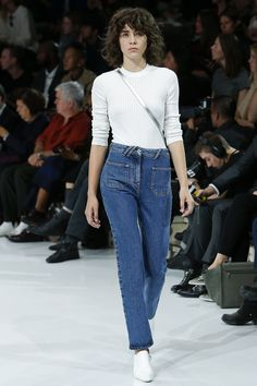 Courrèges Spring 2016 Ready-to-Wear Fashion Show