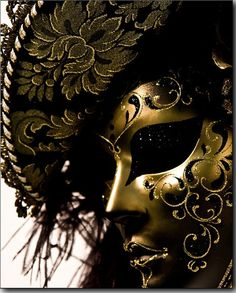 MASQUED BALL IN VENICE. THE HOKEY POKEY MAN AND AN INSANE HAWKER OF FISH BY CONNIE DURAND. AVAILABLE ON AMAZON KINDLE.