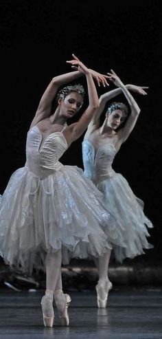 """May 2020 - """"The Body Says What Words Cannot. See more ideas about Ballet beautiful, Dance photography and Ballet dancers. Ballet Art, Ballet Dancers, Princesa Tutu, Ballet Russe, La Bayadere, Ballet Images, Pretty Ballerinas, Ballerina Dancing, Ballet Fashion"""