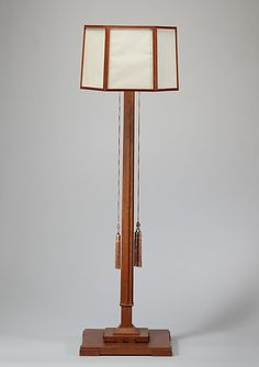 Standing Lamp by Frank Lloyd Wright made with white oak, parchment and silk between 1912 and 1914.  (The Metropolitan Museum of Art, i.e. The Met Museum, 2017)