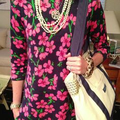 Love the mixing of the necklaces !