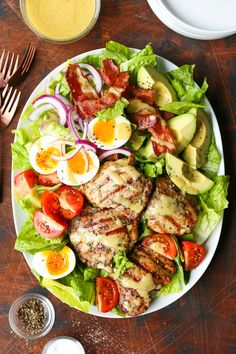 Grilled Chicken Cobb Salad - No more boring cobb salads! Made with the juiciest garlic rosemary chicken thighs and the most flavorful honey Dijon dressing! Grilled Chicken Thighs, Grilled Chicken Recipes, Healthy Chicken, Salad Chicken, Boneless Chicken, Chicken Pasta, Pasta Salad, Garlic Rosemary Chicken, Clean Eating