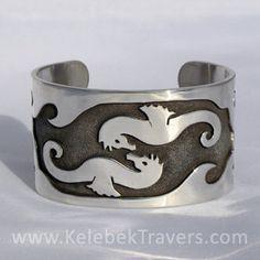 Infinity Sea Horses Silver Cuff