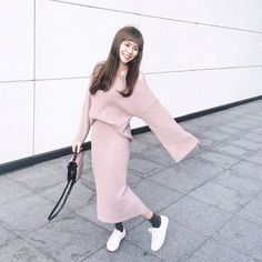 Casual Chic Fashion #Outfit #sarachu_ #Akiwarinda Casual Chic Style, Normcore, Instagram Posts, Outfits, Fashion, Tall Clothing, Moda, Fashion Styles, Casual Chic