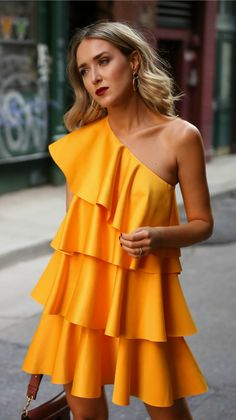 Highlighting one of the biggest color trends for fall + a round up of my favorite marigold yellow pieces for the season! Look Fashion, Autumn Fashion, Fashion Design, Nyc Fashion, Spring Fashion, Fashion Tips For Women, Womens Fashion, Short Dresses, Summer Dresses