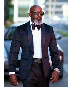 you must be a beard-conscious guy who really needs a facial hair styling ideas. Here, you'll dig out the beard styles for bald men as the images. Men In Black, Gorgeous Black Men, Black Men In Suits, Beautiful, Black Men Beards, Handsome Black Men, Rugged Style, Sharp Dressed Man, Well Dressed Men