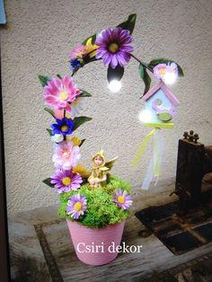 Tavasztündér Clay Crafts, Diy And Crafts, Nylon Flowers, Flower Decorations, Fairies, Floral Arrangements, Spring, Handmade Gifts, Holiday