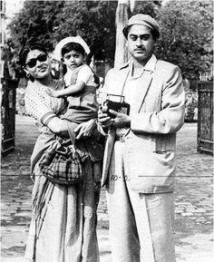 Throw back photo of Kishore kumar da Bollywood Cinema, Bollywood Actors, Bollywood Celebrities, Vintage Bollywood, Indian Bollywood, Music Production Companies, Legendary Pictures, Kishore Kumar, Bollywood Pictures