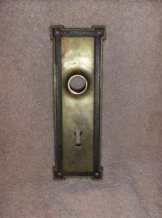 Antique-Arts-Crafts-Brass-Bronze-Doorknob-Back-Plate-Escutcheon