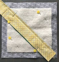 Quilt mug rug Quilting Tips, Quilting Tutorials, Quilting Projects, Small Quilt Projects, Mug Rug Patterns, Quilt Patterns, Sewing Patterns, Bag Patterns, Small Quilts