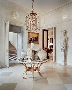 François Catroux stands as a top French interior designer that displays settings with the most amazing neutral and sophisticated tones. He transforms a standard room into a warm, rich, and exquisite room, that perfectly fits his interior design identity. Architectural Digest, French Interior, Best Interior, Interior And Exterior, Room Interior, Decoration Inspiration, Interior Inspiration, Interior Ideas, Decor Ideas