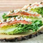 Cogollos con queso y salmón