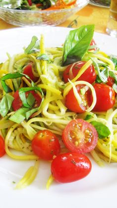 Fresh Tomato, Basil and Lemon Zucchini Pasta #vegan