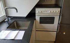 Aufmaß, Lieferung und Montage der #Granit #Arbeitsplatten, Material Nero Devil Black in 2 cm Stärke inkl. Kantenbearbeitung. Die Oberflächen sind satiniert.  http://www.maasgmbh.com/aktuelle-hamburg-nero-devil-black-granit-arbeitsplatten-hamburg-nero-devil-black
