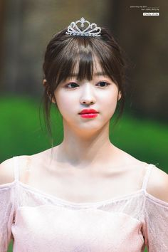 "Vitality of Life on Twitter: ""190511 코바코홀   #오마이걸 #유아 #유시아 #YooA #OHMYGIRL #おまごる #ユア #다섯번째계절 @WM_OHMYGIRL   1위 축하해🥰… "" Kpop Girl Groups, Korean Girl Groups, Kpop Girls, Ulzzang, Korean Best Friends, Oh My Girl Yooa, Girls Twitter, Classy Girl, South Korean Girls"
