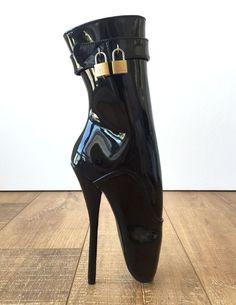 18cm Fetish Ballet Pinup Double Padlock Lockable Role Play Slave Patent Boot