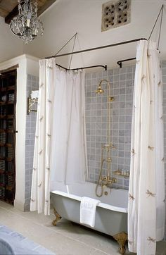 like the clawfoot tub/shower combo along side the wall like that. Country Style Bathrooms, Rustic Bathrooms, Chic Bathrooms, Bathroom Ideas Vintage Country, French Bathroom Decor, Cottage Bathrooms, Clawfoot Tub Bathroom, Small Bathroom, Bathroom Mirrors