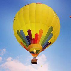 Un globo aerostático vuela durante el Festival 12 Barnstorf Ballonfahrer en el norte de Alemania. Este es el festival de globos más grande. El evento se lleva a cabo cada dos años. Foto: AFP