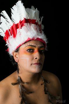 Os Caingangues tem uma população de 34 mil índios, estão localizados na região Sudeste e Sul do País!   #hardphotography #mulheresdepindorama #portrait #portraitfestival #makeup #indian #native #brazilianindian #culture #brazilianculture #authorial #photography #studio #photo #guarani #ticuna #caingangue #macuxi #terena #guajajara #ianomami #xavante #pataxo #potiguara #tribe #earthportrait #america #southamerica