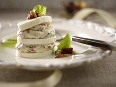 Unser beliebtes Rezept für Mozzarella-Terrine und mehr als 55.000 weitere kostenlose Rezepte auf LECKER.de.