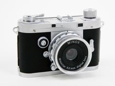 Mini Leica Digital Camera . Love cameras!