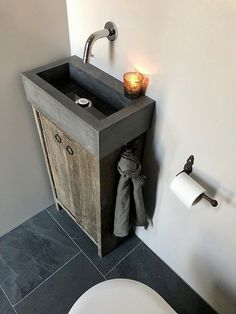 Toilet stoer sober landelijke stijl