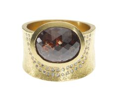 trdr380 | 18ky gold ring with white brilliant diamonds and a fancy cut red diamond