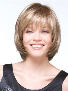 Layered-Bob-Haircuts-for-Round-Faces Stylish and Perfect Layered Bob Hairstyles for Women Bob Haircut For Round Face, Round Face Haircuts, Hairstyles For Round Faces, Short Hairstyles For Women, Straight Hairstyles, Short Haircuts, Simple Hairstyles, Black Hairstyles, Natural Hairstyles