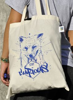 Stay Curious Bag | Handmade Silkscreen Print | Fox Approved Available at: shop.weltraumgangster.de