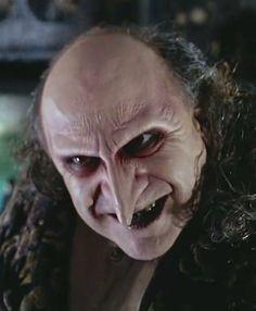 - Danny DeVito as Oswald Cobblepot / Penguin - Batman Returns by Tim Burton - 1992 Geek Movies, Dc Movies, Action Movies, The Penguin Batman, Batman Art, Danny Devito Penguin, Batman Tv Show, In The Pale Moonlight, Movie Makeup
