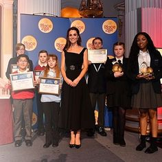 On Tuesday night, @_Place2Be's Royal Patron, The Duchess of Cambridge, joined pupils, teachers and School Leaders to celebrate the Wellbeing in Schools Awards at the Mansion House in London. Mardi soir, la maraine de l'association @_place2be, La Duchesse de Cambridge, s'est jointe aux élèves et professeurs pour célébrer le « Wellbeing in School Awards » à la « Mansion House » de Londres. #APR #APRdigital #internationalpragency #furniture #inspiration #design #home #decor #L...