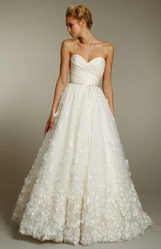 Ivory a-line wedding dress with sweetheart neckline and embellished skirt. Jim Hjelm fall 2011 wedding dresses- 8157