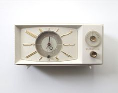 Vintage Westinghouse Clock Radio Model by TheVintageResource, $42.00