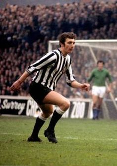 David Craig in 1970 Newcastle United Football, Der Club, St James' Park, Saint James, Black N White, Kicks, Soccer, Army, England