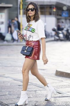 The Street Style at Milan Fashion Week May Be the Best Yet Day 5 Valentino bag Milan Fashion Week Street Style, Street Style 2016, Spring Street Style, Milan Fashion Weeks, Cool Street Fashion, Girl Fashion, Fashion Tips, Fashion Trends, Fashion Photo