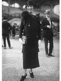 1920's Parisian street style as captured by the Seeberger brothers.