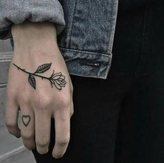 Image about beautiful in ;tattoos 💱 by tom on We Heart It Finger Tattoos, Body Art Tattoos, Tatoos, Piercings, Piercing Tattoo, Pretty Tattoos, Beautiful Tattoos, Tattoo Rosa Na Mao, Mini Tattoos