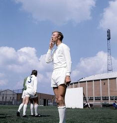 Leeds United's Jack Charlton smoking a cigarette during a training session, August 1970. Mirrorpix