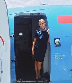 TUI Airlines Stewardess Latest Suit Trends, Cap Verde, Air Hostess Uniform, Airline Uniforms, Flight Attendant Life, Airline Travel, Commercial Aircraft, Cabin Crew, In Pantyhose